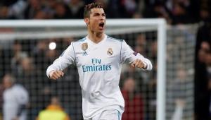 Lateral do Liverpool diz que Cristiano Ronaldo tem pontos fracos e vai explorá-los