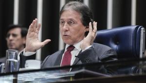 Eunício suspende sessão que poderia votar o Orçamento de 2019