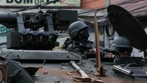 Forças Armadas fazem ações com polícias em duas comunidades do Rio