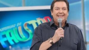 """Após angioplastia, Faustão volta a apresentar o """"Domingão"""" ao vivo"""