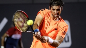 Bellucci leva virada incrível e cai para Fognini na estreia no Rio Open