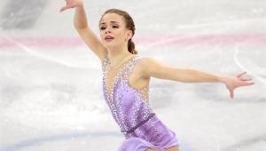 Brasileira Isadora Williams garante classificação inédita para a final da patinação artística