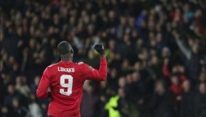 Lukaku decide e Manchester United passa pelo Huddersfield na Copa da Inglaterra
