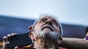 Lula acha que o mundo vai comprar a história de que ele é perseguido político?