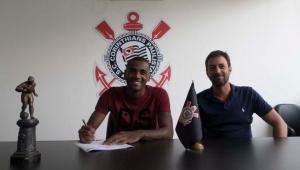 Corinthians pede retorno do zagueiro Marllon ao Bahia