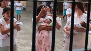 """Domiciliar a mães e grávidas em preventiva """"referenda direitos humanos"""" diz ONU"""