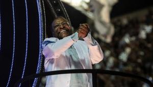 A grande sensação da primeira noite de desfiles no RJ foi Martinho da Vila