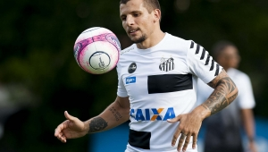 Santos confirma empréstimo de Vecchio para o Al Ahli, dos Emirados Árabes