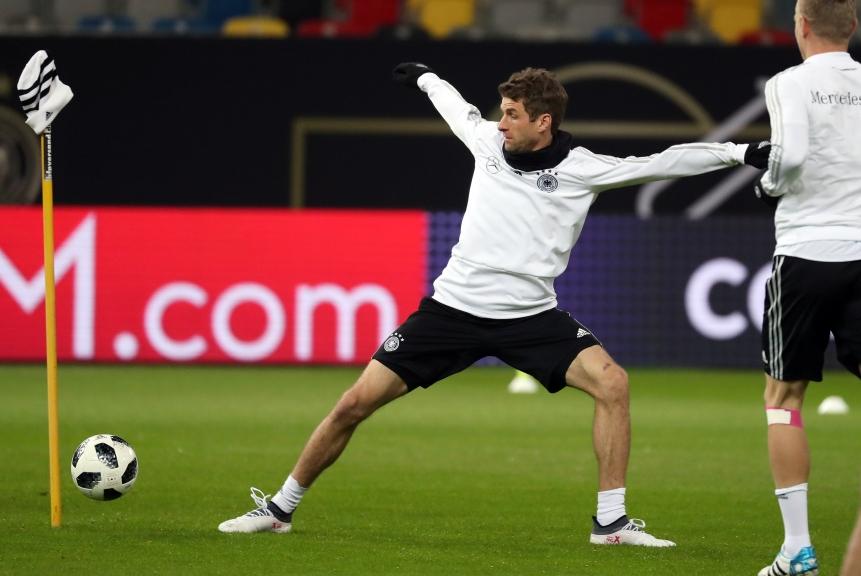 Özil e Müller não atuaram pela Alemanha em jogo contra Brasil
