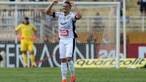 Bragantino surpreende o Corinthians no Pacaembu e sai na frente nas quartas do Paulistão