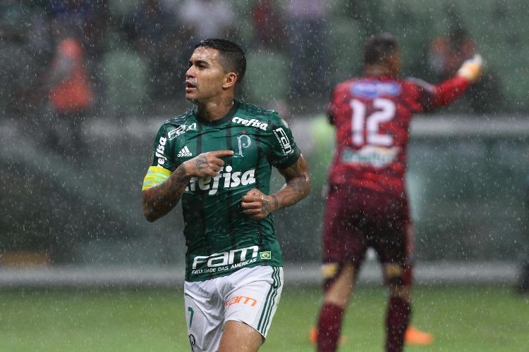 Santos revê rival contra quem encerrou mesma série negativa em 2001 — Paulistão