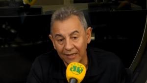 'O VAR é bom, mas, no Brasil, a arbitragem é incompetente', diz Flavio Prado