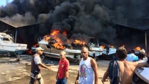 Incêndio destrói lanchas na Marina do Bonfim, em Salvador