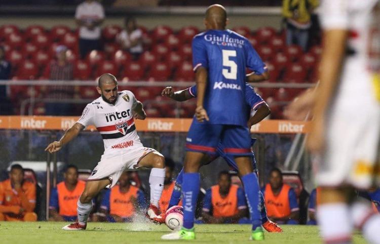 Tricolor joga nesta terça por vitória contra o São Caetano no Morumbi