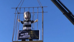 Trabalhadores e artistas já notaram que o lugar do condenado Lula é a cadeia