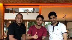 Neymar pai vai se reunir com a Juventus, diz TV italiana
