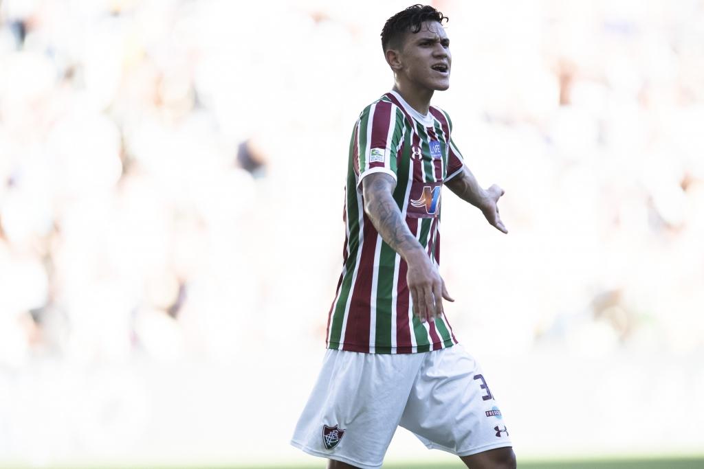 Jorge Rodrigues Estadão Conteúdo Pedro brilhou e foi o nome da vitória do  Fluminense por 3 a 0 sobre o Botafogo f9170b952b7fc