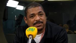 """""""Do meio para frente, o Brasil é impecável"""", elogia Vampeta"""
