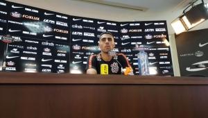 Gabriel minimiza pressão e diz que Corinthians precisa ser mais agressivo