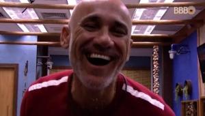BBB 18: Ayrton perde um dos dentes no quarto do líder