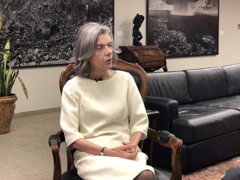Cármen Lúcia marca julgamento da restrição do foro privilegiado