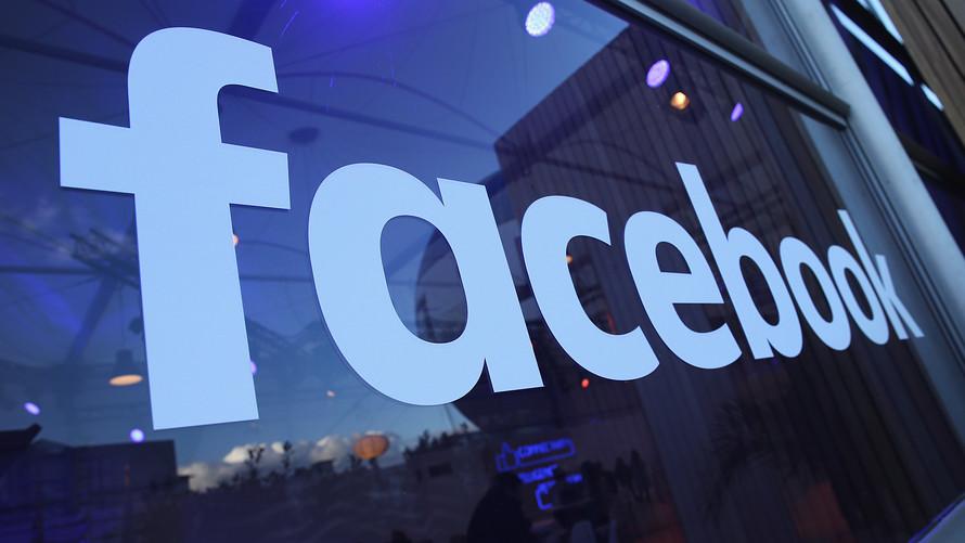 Facebook corta relações com Cambridge Analytica