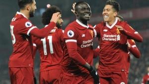 Mané vira desfalque para Liverpool por causa de lesão no polegar da mão