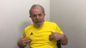 Lula descobre o que os jogadores brasileiros sentiram no 7 x 1
