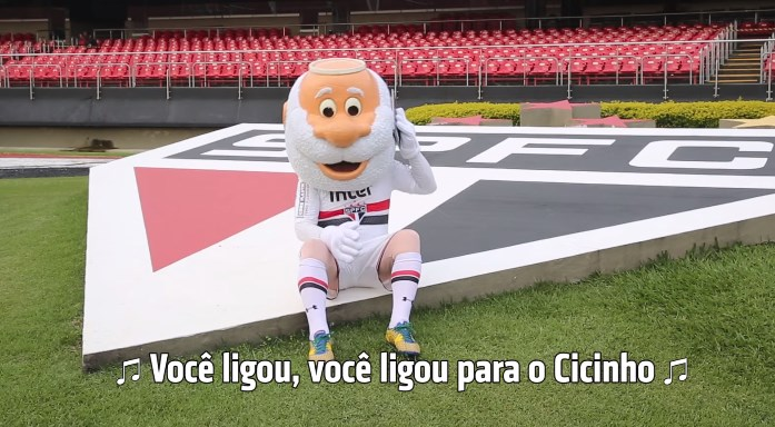 São Paulo organiza entrevista para Cicinho anunciar futuro