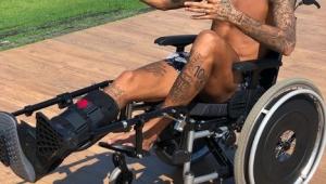 """Médico da Seleção vê boa recuperação de Neymar e exalta """"trabalho duro"""" do craque"""