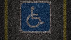 Em seis meses, CET multou 1.319 motoristas que pararam em vagas de idosos e deficientes