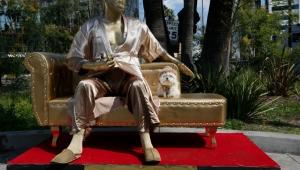 Harvey Weinstein estátua