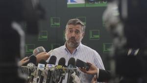 Líder do PT minimiza assédio de Ciro Gomes ao PSB