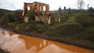 Samarco quer mais tempo para entregar plano de reparação após tragédia em Mariana