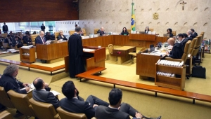 """Discussão em torno da terceirização """"é ridícula"""", diz ex-presidente do TST"""