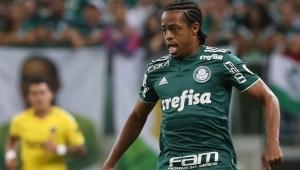 Keno critica falta de atenção no Palmeiras e se preocupa com próximos jogos