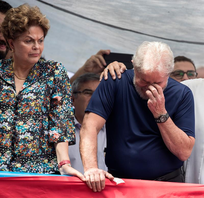 Dilma diz que chorou quando soube que Lula seria preso