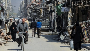 Síria: tropas do governo se aproximam de cidade controlada por rebeldes