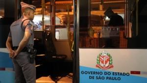 Polícia prende rapaz suspeito de participar de assalto a ônibus em SP