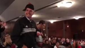 """Bolsonaro faz """"glu glu, ié ié"""" em show de Sérgio Mallandro"""