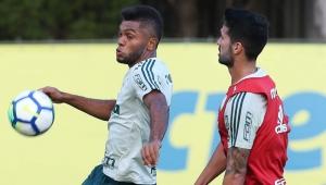 Recuperado, Borja volta aos treinos e deve reforçar o Palmeiras contra o Inter