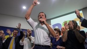 Em 1º dia de pré-campanha, Doria sela aliança com PSD