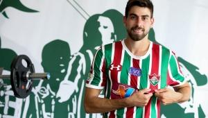Fluminense anuncia contratação do zagueiro Luan Peres por empréstimo