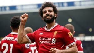 Salah marca e iguala recorde no Inglês, mas Liverpool leva 2 no fim e só empata