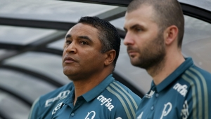 Técnico do Palmeiras elogia Lucas Lima, mas critica Borja e Felipe Melo