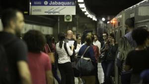 Metrô reabre estações da Linha 1-Azul após falta de energia