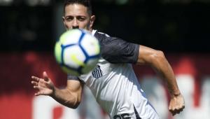 """Para Jean Mota, disputar a Libertadores na Vila Belmiro é diferente: """"adversário sente"""""""
