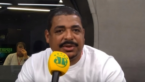 """Palmeiras vive um grande momento"", analisa Vampeta"