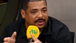 """""""Jogadores têm de começar a ser cobrados"""", diz Vampeta após queda do São Paulo"""