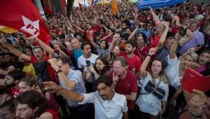 """Comentaristas analisam decisão de Moro e """"teatro-show"""" de Lula com a Justiça"""